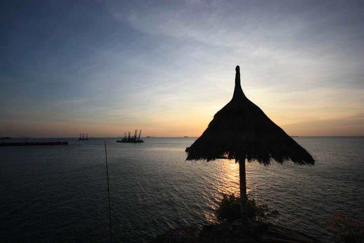 帕里小屋度假村(Paree Hut Resort)观看落日的凉亭