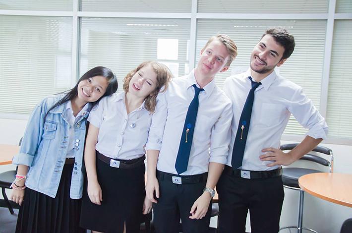泰国大学生的穿着打扮