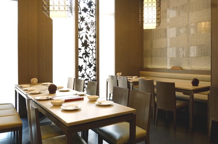 曼谷建兴酒家的餐桌