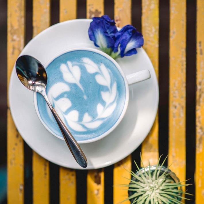 曼谷大皇宫附近的Blue Whale Cafe咖啡店