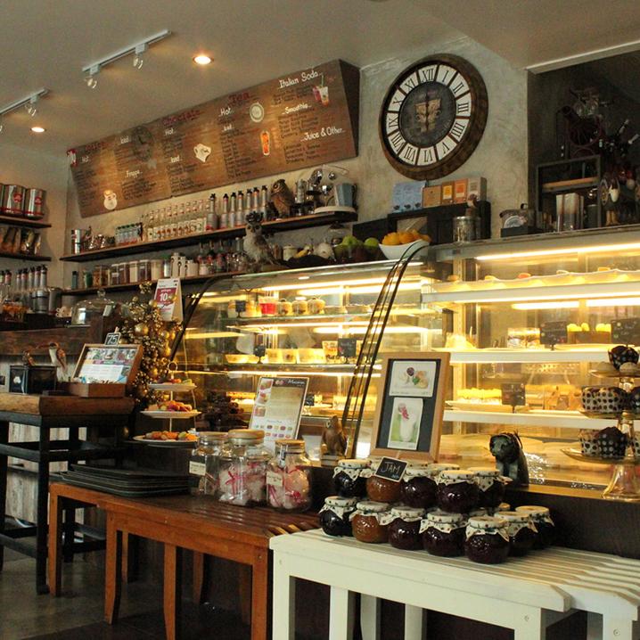 24 Owls Cafe & Bistro咖啡店,曼谷的夜猫子咖啡店