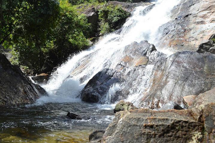 Tone Nga Chang Waterfall