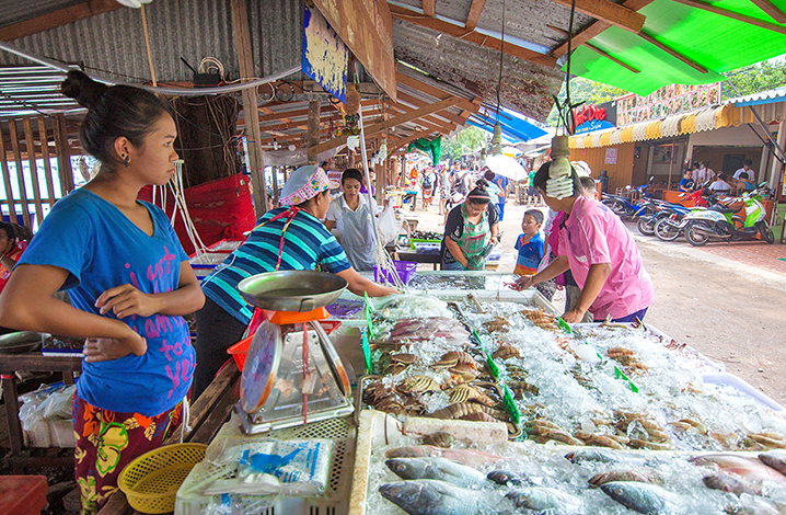 普吉岛拉威海鲜市场