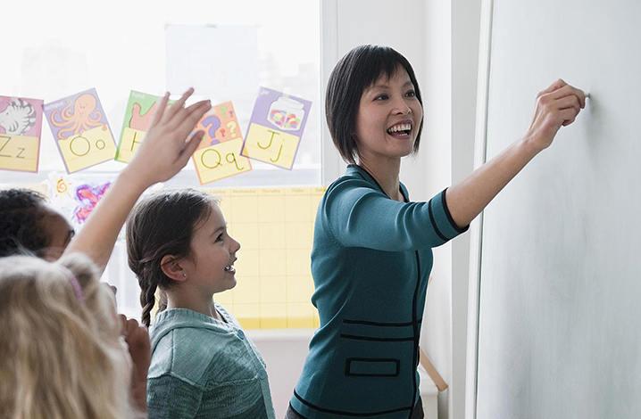 赴泰实习当中文老师