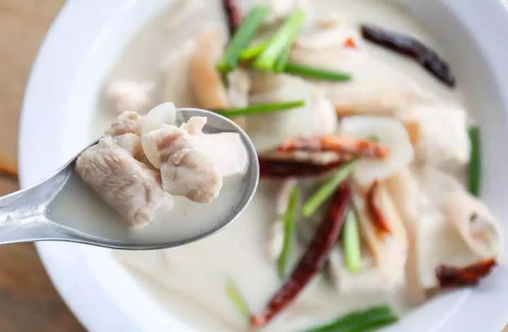 泰式椰浆鸡(180THB)