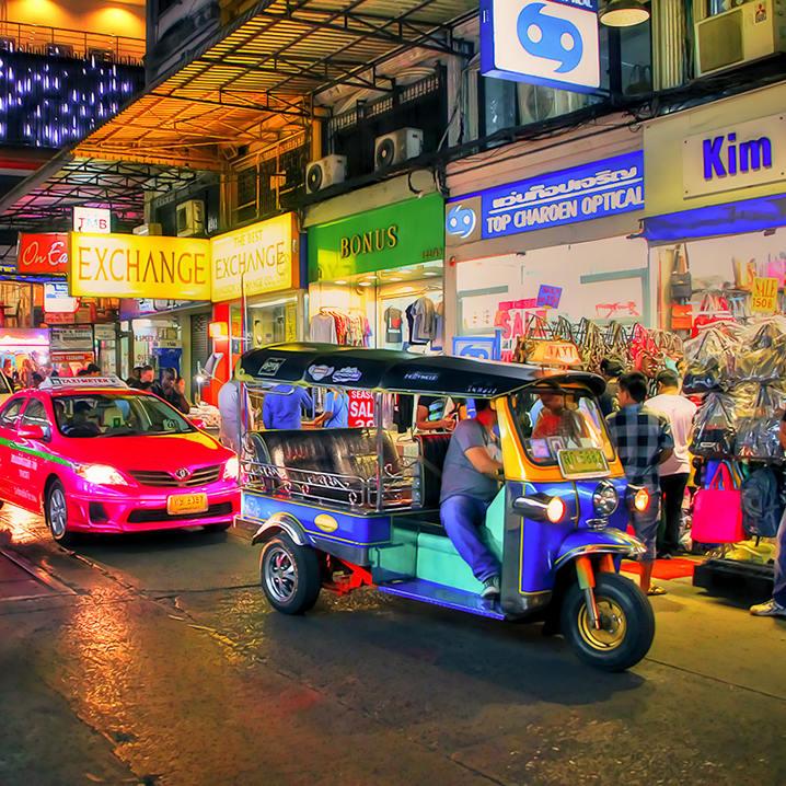 嘟嘟车上的曼谷