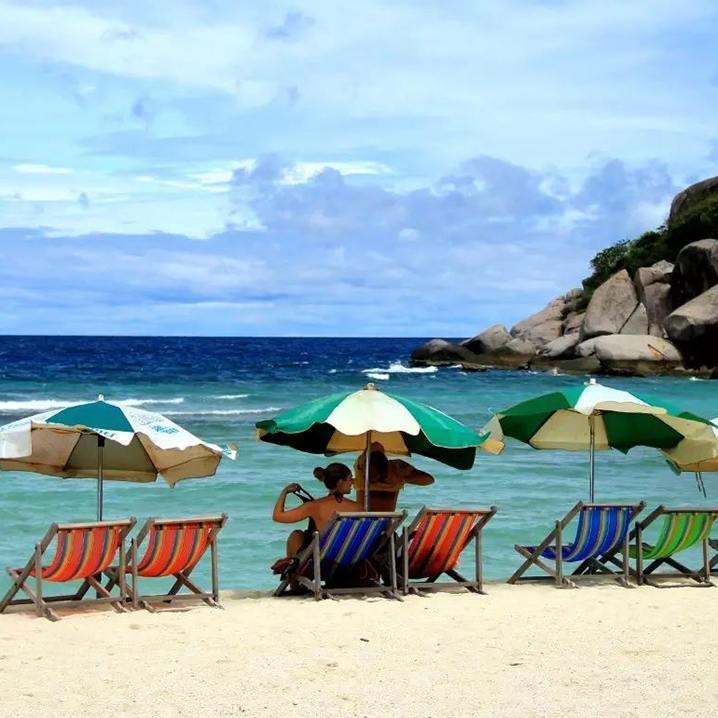 苏梅岛沙滩的浪漫