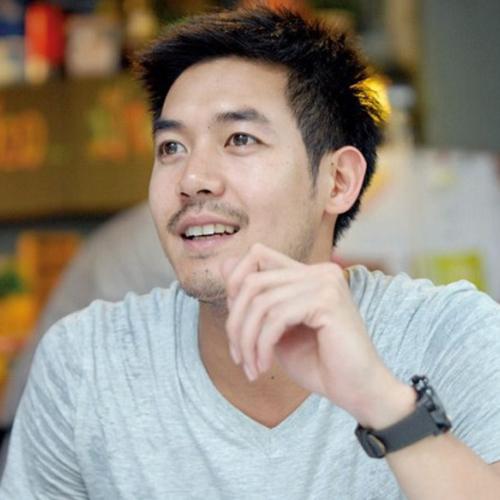 泰国男明星Weir