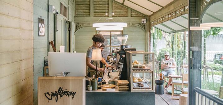 曼谷老房子里的咖啡店别有风情