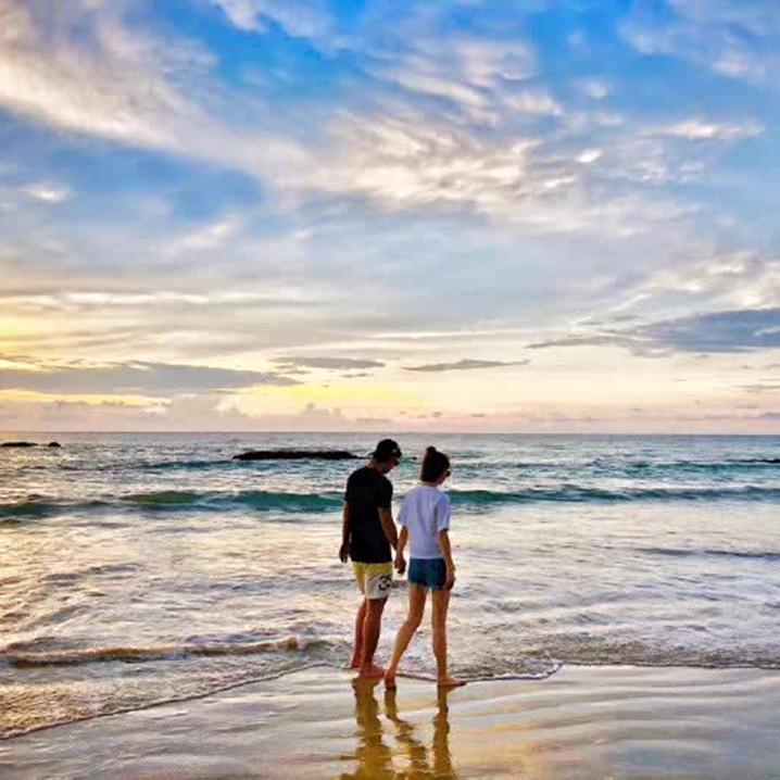 张继科景甜约会海滩曝光,原来普吉岛的海滩这么美