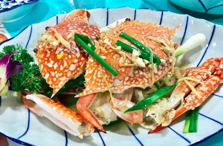 普吉岛美食推荐|在普吉岛海鲜餐厅船海鲜美食攻略