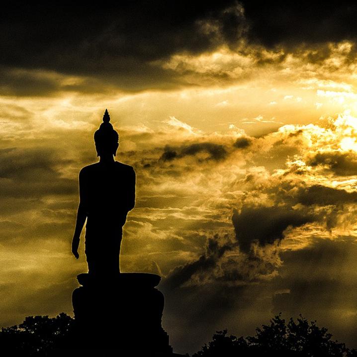 """曼谷这座寺庙的""""舍粥场"""",为什么吃了90年都没吃""""垮"""""""