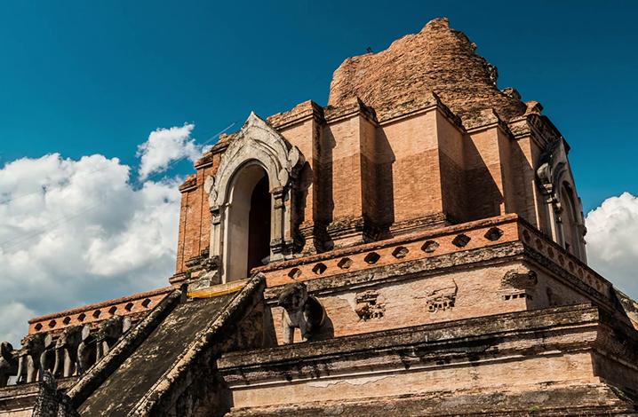 契迪龙寺(Wat Chedi Luang)