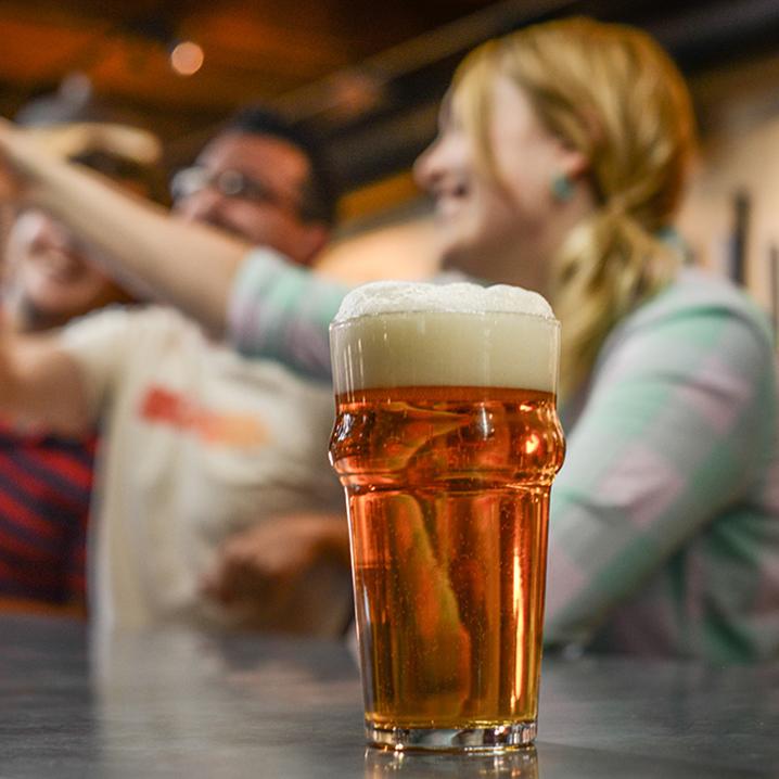 芭提雅红灯区,Beer Bar玩法以及里面的小游戏