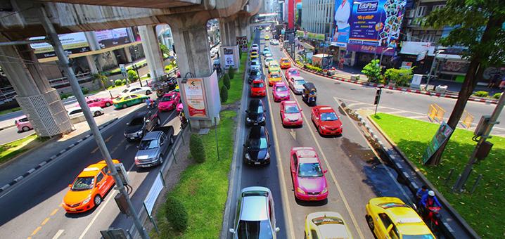 泰国出租车和网约车,哪个更安全?
