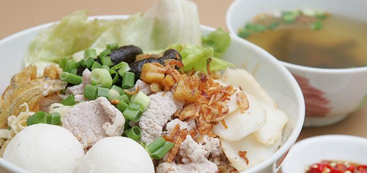 曼谷朱拉隆功大学旁的美食,Longleng鱼肉丸子粉店