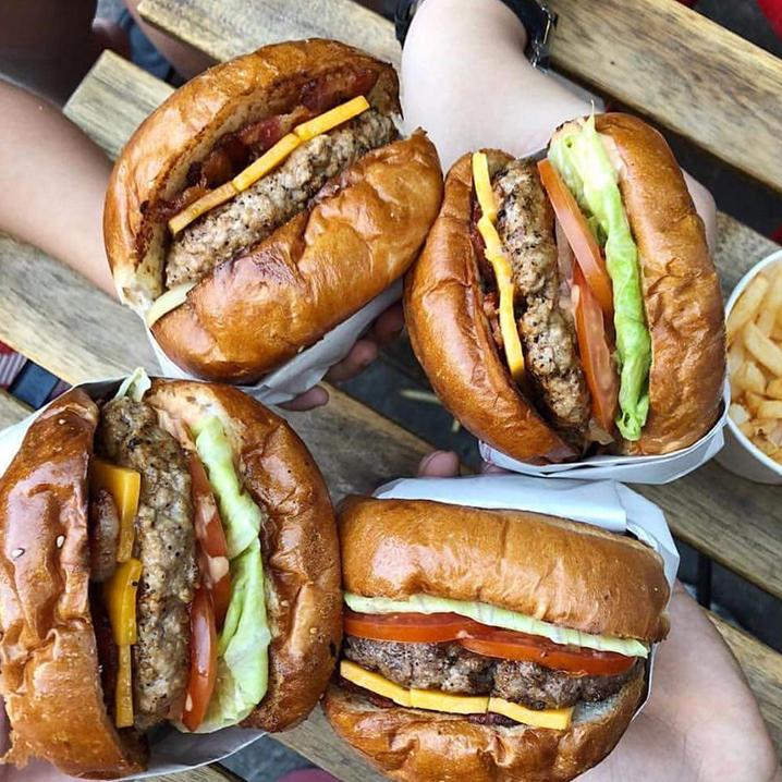 曼谷红灯区Soi 11美食攻略,吃在11巷