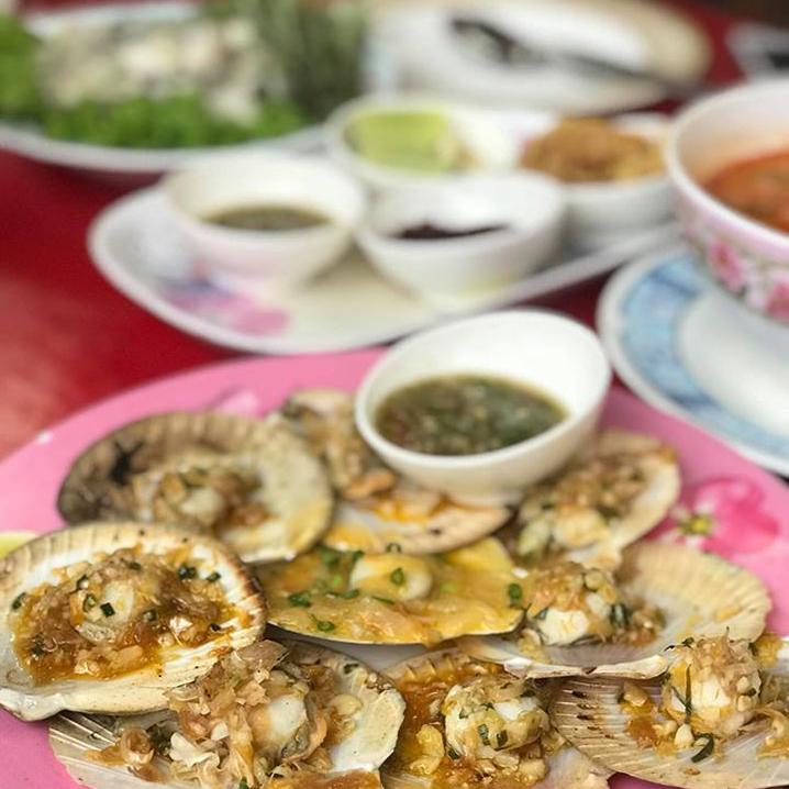 华欣街边美食小店推荐,深入华欣大街小巷的美食