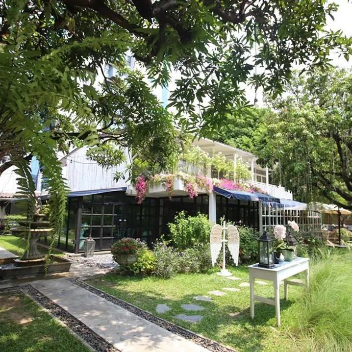 曼谷Mother May I Kitchen餐厅,超人气的梦中白色小屋