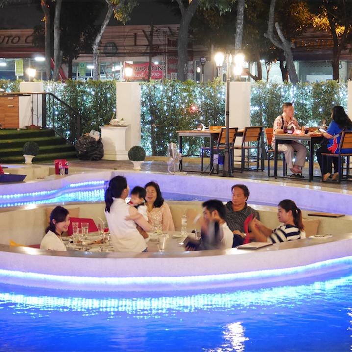 曼谷最火的罗马主题餐厅The Rome Restuarant