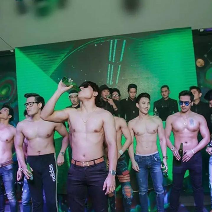 曼谷撩男最强潜规则,原来帅哥都好这口……