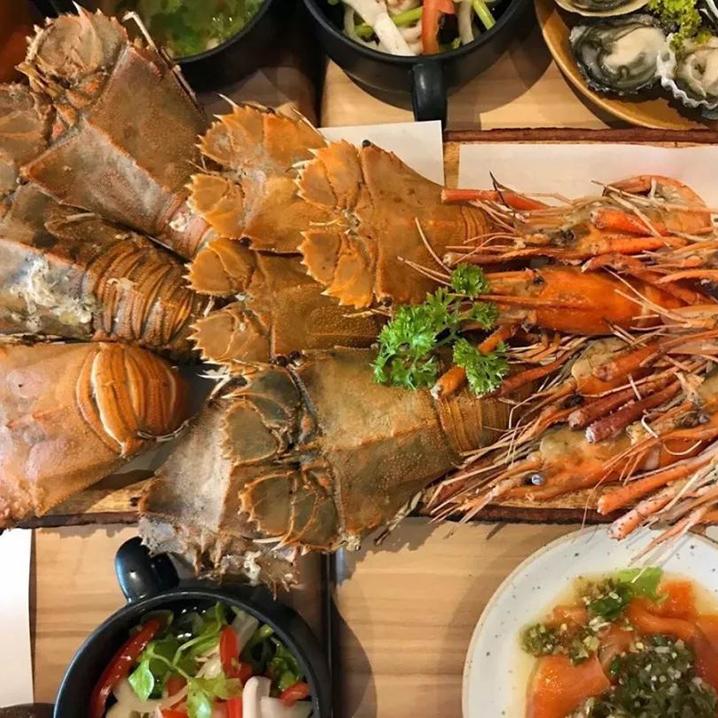 曼谷超超超人气海鲜自助烧烤BURN WHALE,人均120吃到扶墙出!