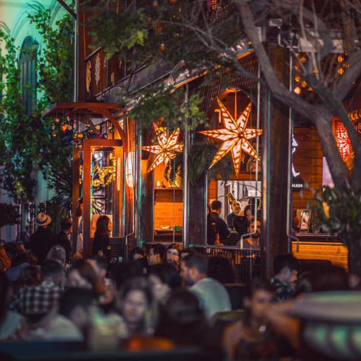 曼谷考山路的那不勒斯手工披萨,Buddy Beer Wine Bar and Grill餐厅