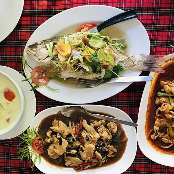 皇帝岛上最高性价比餐厅——RayaFather泰式餐厅了解一下