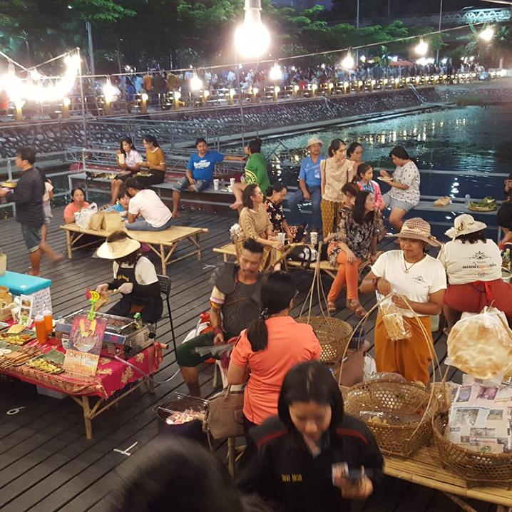 北碧府Sukjai周五水上市场,带你领略泰国摇船划桨的生活!