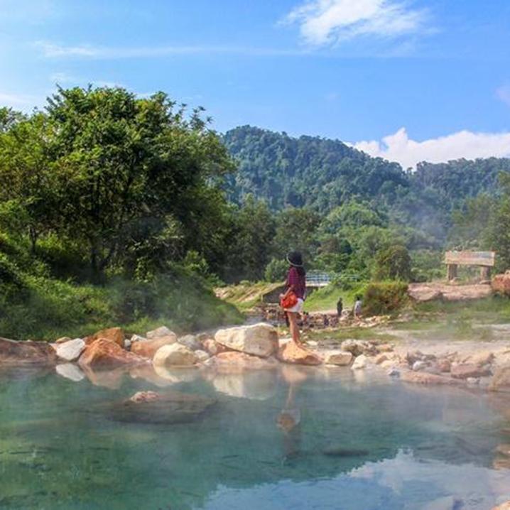 攀牙府Plai Poo温泉,城市阴雨连绵不如泡一泓温泉
