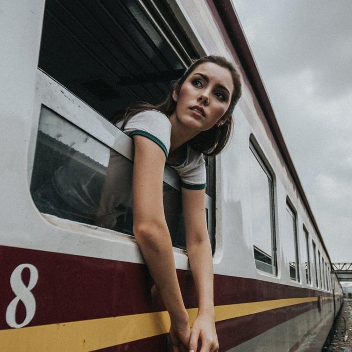 乘着火车去曼谷周边旅行,享受慢生活