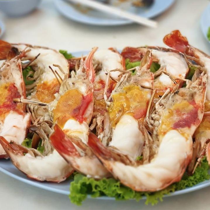 曼谷高级住宅区素坤逸,却是一条有料得很的小众食街