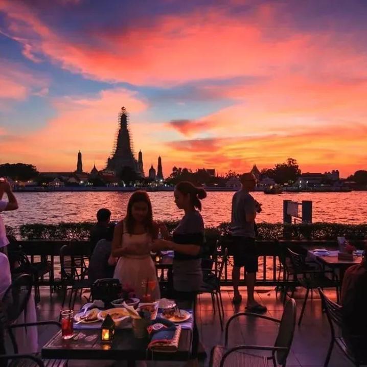 曼谷黎明寺最佳观赏地——The Deck by Arun Residence餐厅