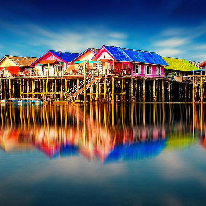 泰国攀牙攀伊岛Ko Panyi渔村,这座小镇简直是立体的潘通色卡