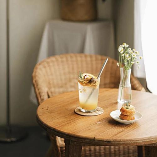 泰国宝藏白色咖啡店,牛奶系Café探店指南