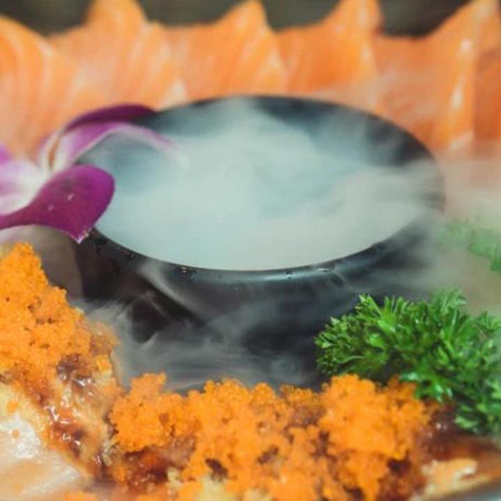 曼谷朱拉小巷美食之旅,一场泰国风味和日式料理的对决!