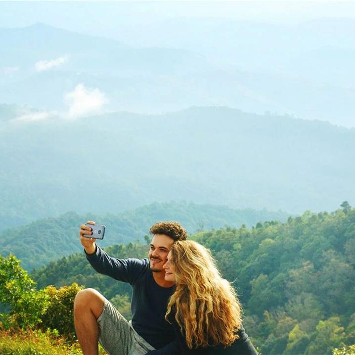 来泰国爬山吗?照片...